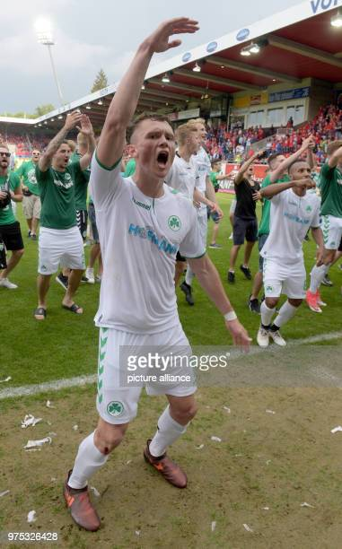 Soccer 2 Bundesliga 1 FC Heidenheim vs SpVgg Greuther Fuerth at the VoithArena Fuerth's players surrounding Fabian Reese celebrate remaining in the...
