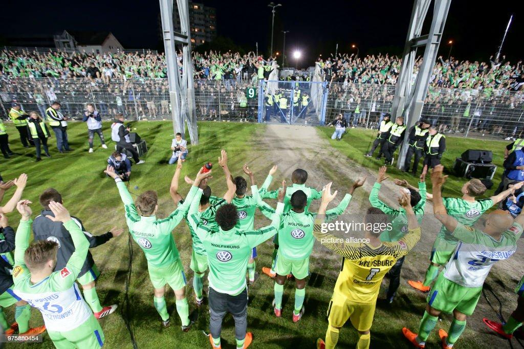 Holstein Kiel Vs Vfl Wolfsburg Return Match In The Holstein Stadium News Photo Getty Images