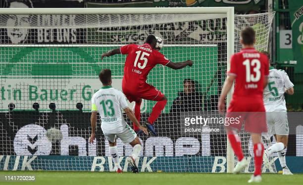 Soccer 2nd Bundesliga SpVgg Greuther Fürth 1st FC Cologne 32nd matchday at the Sportpark Ronhof Thomas Sommer Cologne's Jhon Cordoba scores the goal...