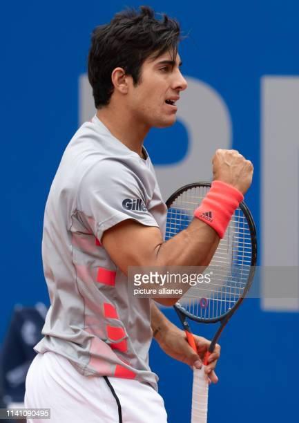 Tennis ATPTour Munich Individual Men Semifinal Garin Cecchinato Cristian Garin clenches his fist Photo Sven Hoppe/dpa