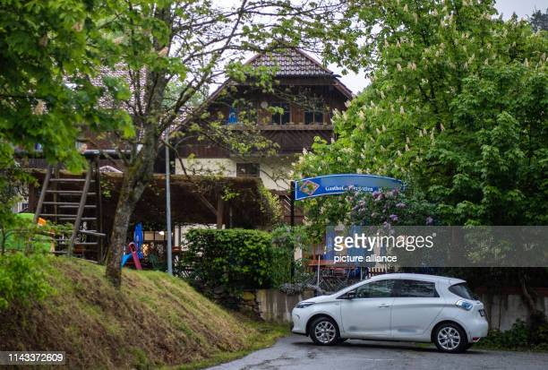 A guesthouse stands near the Ilz among trees Three dead persons have been found in a room of the pension According to the information the dead came...