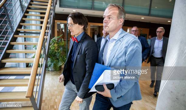 Matthias Miersch and Karl Lauterbach, deputy chairmen of the SPD parliamentary group, come from the meeting of the SPD parliamentary group executive...