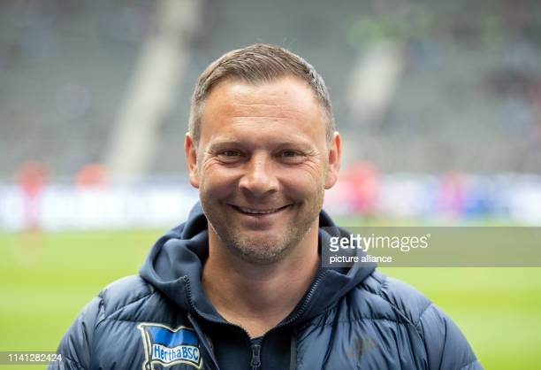 Soccer Bundesliga Hertha BSC VfB Stuttgart 32nd matchday in the Olympic Stadium Coach Pal Dardai laughs before the game Photo Soeren Stache/dpa...