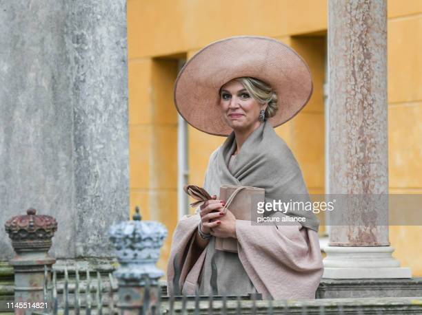 May 2019, Brandenburg, Potsdam: Queen Maxima of the Netherlands visits Sanssouci and walks through the park of the castle. Photo: Jens...