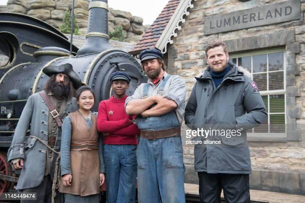 May 2019, Brandenburg, Potsdam: The actors Rick Kavanian , Leighanne Esperanzate, Solomon Gordon and Henning Baum and director Dennis Gansel stand...