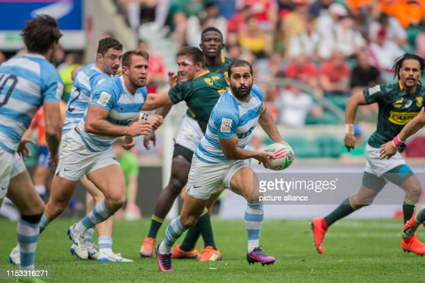 The penultimate tournament of the HSBC World Rugby Sevens Series on 25 and 26 May 2019 in London Gaston Revol is looking for Felipe Del Mestre to...