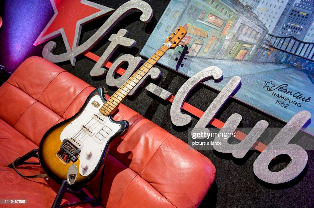 "DEU: George Harrison's ""Futurama"" Guitar"