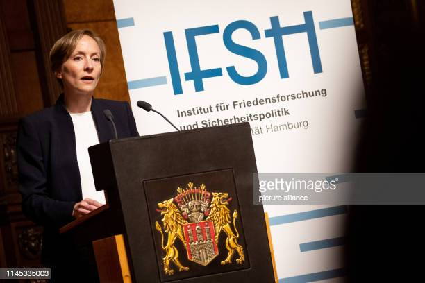 Ursula Schröder, Director of the Institute for Peace Research and Security Policy , speaks at a Senate reception on the occasion of the event...