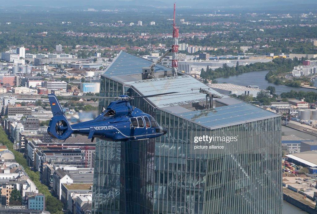DEU: Federal Police Over Frankfurt