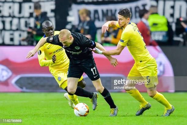Soccer Europa League Eintracht Frankfurt FC Chelsea knockout round semifinal first leg in the Commerzbank Arena Jorginho from Chelsea fights for the...