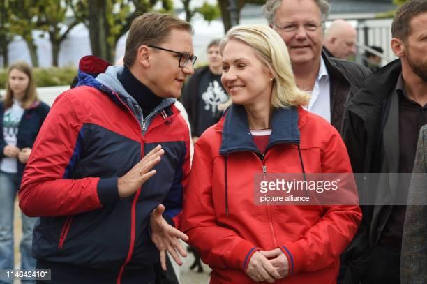 May 2019, Mecklenburg-Western Pomerania, Zinnowitz: Patrick Dahlemann , Parliamentary State Secretary for Vorpommern, and Manuela Schwesig , Prime...
