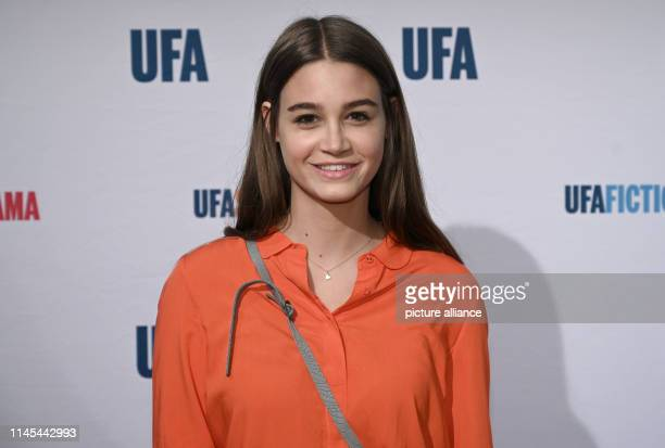 "May 2019, North Rhine-Westphalia, Cologne: The actress Josephine Becker comes to the ""Ufa Night Cologne"". Photo: Henning Kaiser/dpa"