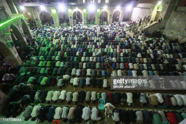 31 May 2019 Palestinian Territories Gaza Palestinian Muslims pray on the occasion of 'Laylat alQadr' or the Night of Decree on the 27th day of the...