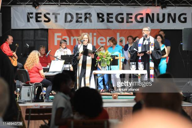 A church service with Monika Peisker pastor of the Hoffnungsgemeinde and police pastor Lutz Brillinger is part of the festival of encounters The...