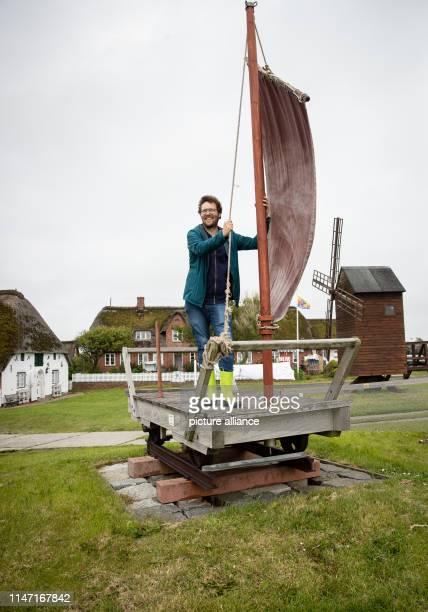 May 2019, Schleswig-Holstein, Dagebüll: Jan Philipp Albrecht (Bündnis 90/ Die Jan Philipp Albrecht , Minister for Energy Turnaround, Agriculture,...