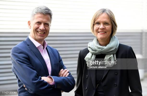 May 2019, Schleswig-Holstein, Kiel: Karl-Hermann Witte and Ulriker Helfer, members of the Management Board responsible for portfolio management,...