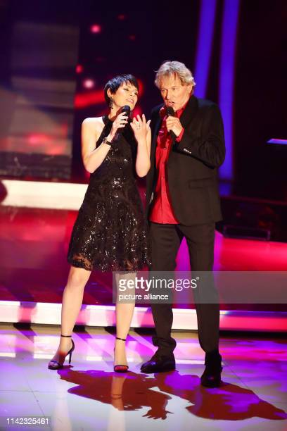 Francine Jordi and Bernhard Brink during the recording of the television program The Great Mother's Day Show in the Stadthalle in Altenburg The...