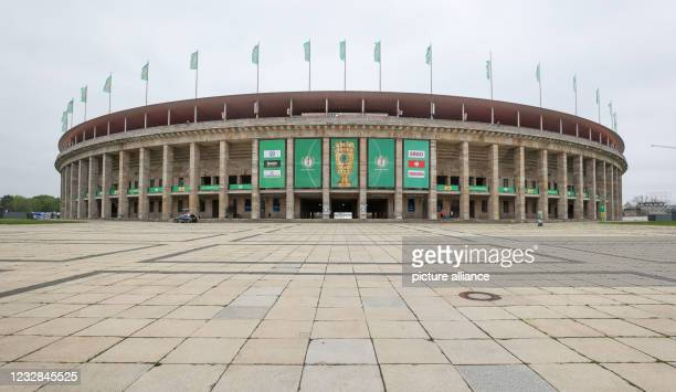Football: DFB Cup, Before the final RB Leipzig - Borussia Dortmund at the Olympiastadion Berlin. The stadium forecourt remains empty for this cup...