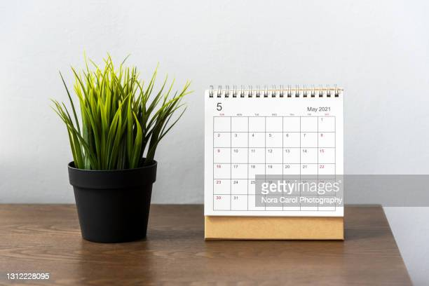 may 2021 desk calendar - 2021 stock pictures, royalty-free photos & images