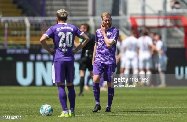 May 2021, Lower Saxony, Osnabrück: Football, 2. Bundesliga - Relegation, VfL Osnabrück - FC Ingolstadt 04 at the Stadion an der Bremer Brücke:...
