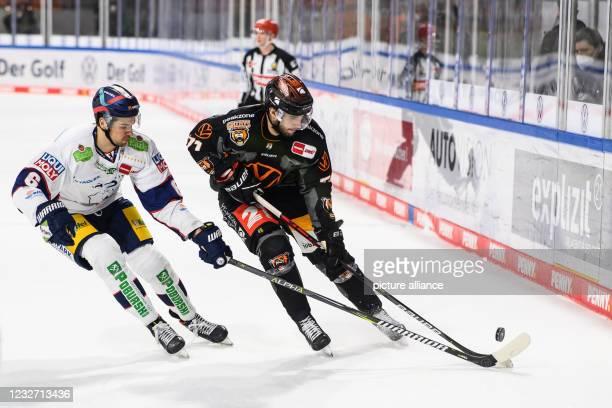 May 2021, Lower Saxony, Wolfsburg: Ice hockey: DEL, Grizzlies Wolfsburg - Eisbären Berlin, championship round, final, 2nd matchday at the Eis Arena....