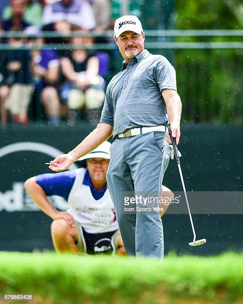Jerry Kelly looks for help on putt on during final round action of the Crowne Plaza Invitational at Colonial in Ft. Worth, Texas.