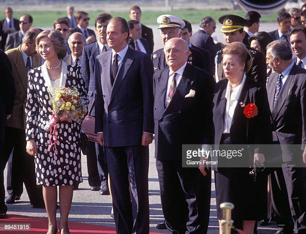 May 25 1993 Istanbul Turkey Official visit of the King of Spain Juan Carlos and Sofia to Turkey Arrival to the Kings at the airport received by...