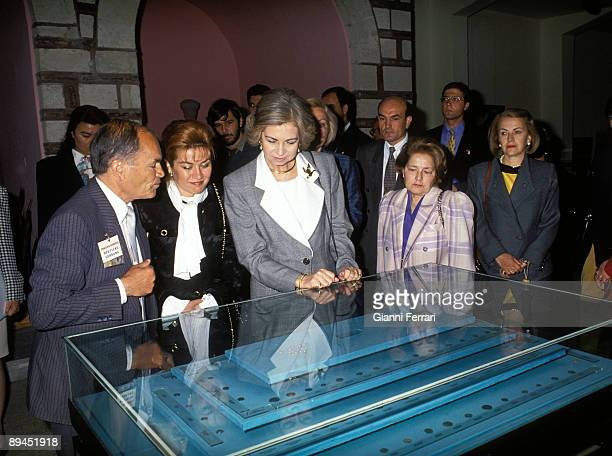 May 25 1993 Istanbul Turkey Official visit of the King of Spain Juan Carlos and Sofia to Turkey In the picture the Queen at the Museum of Anatolian...