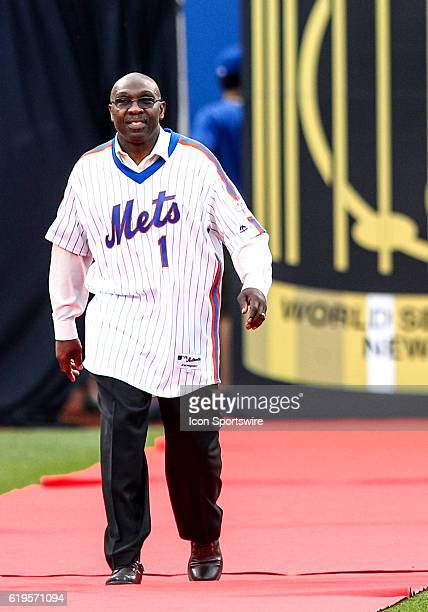 1986 New York Mets center fielder Mookie Wilson is introduced during a celebration in honor of the 30th anniversary of the 1986 Mets World Series...