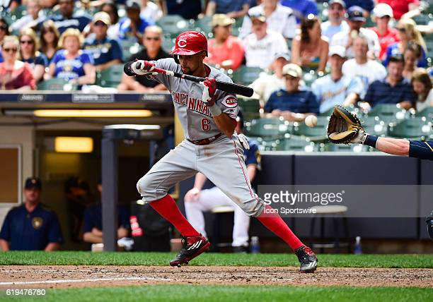 Cincinnati Reds center fielder Billy Hamilton attempts to bundt during a MLB game Between the Cincinnati Reds and the Milwaukee Brewers at Miller...