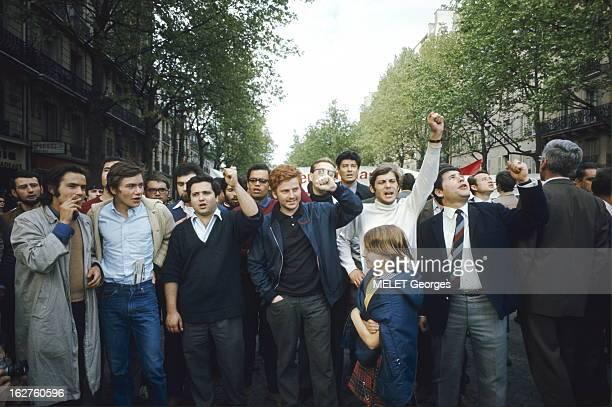 May 13Th 13 mai 1968 Manifestation géante entre République et DenfertRochereau réunissant ouvriers étudiants universitaires Dans le cortège au centre...