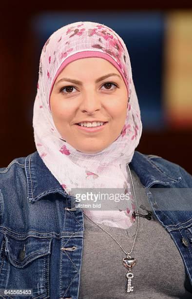 Maya Alkhechen in der ARDTalkshow ANNE WILL in BerlinThema der Sendung Zeltstädte Stimmungsmache Brandanschläge Sieht so deutsche Willkommenskultur...