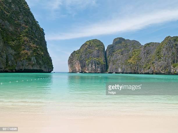 maya beach, ko phi-phi, thailand - bay of water stock pictures, royalty-free photos & images