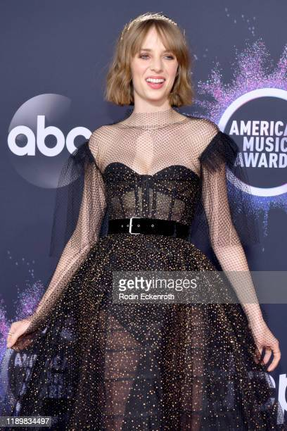 Maya Hawke attends the 2019 American Music Awards at Microsoft Theater on November 24, 2019 in Los Angeles, California.