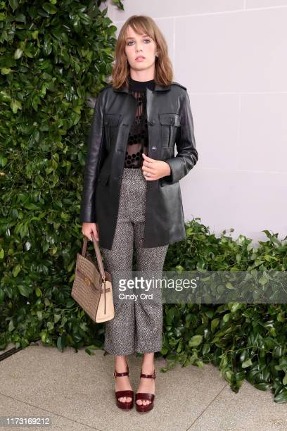Maya Hawke attends Tory Burch NYFW SS20 at the Brooklyn Museum on September 08, 2019 in Brooklyn City.