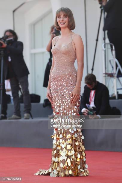 """Maya Hawke walks the red carpet ahead of the movie """"Mainstream"""" at the 77th Venice Film Festival on September 05, 2020 in Venice, Italy."""