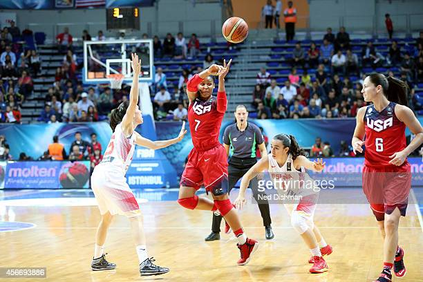 Maya Moore of the Women's Senior US National Team passes the ball against Spain during the finals of the 2014 FIBA World Championships on October 5...