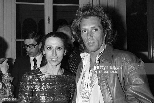 Maya Plissetskaya Sovietborn Ballerina and choreographer poses with Jorge Donn Argentine ballet dancer on June 13 1979 during a reception in her...