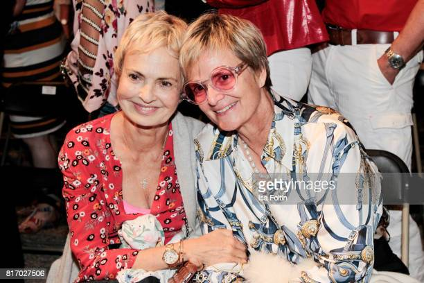 Maya von SchoenburgGlauchau and her sister Gloria von Thurn und Taxis during the Amy McDonald concert at the Thurn Taxis Castle Festival 2017 on July...