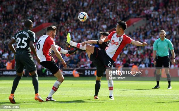 Maya Yoshida of Southampton controlls the ball during the Premier League match between Southampton and Manchester City at St Mary's Stadium on May 13...
