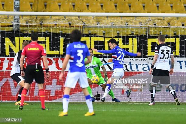 Maya Yoshida of U.C. Sampdoria scores their team's first goal during the Serie A match between Parma Calcio and UC Sampdoria at Stadio Ennio Tardini...