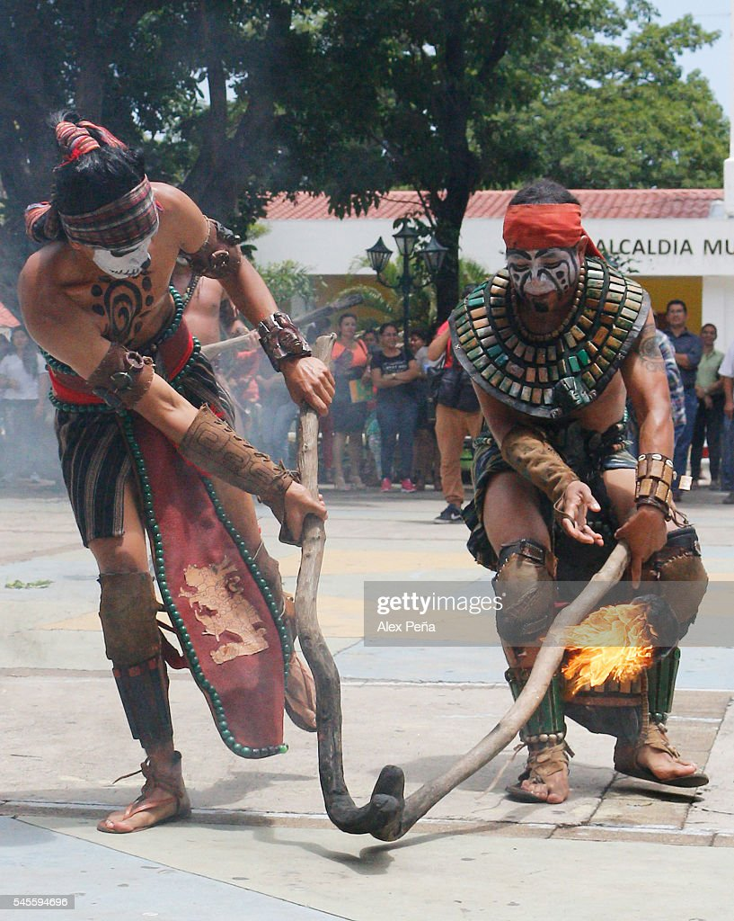 Mayas perform during a traditional Mesoamerican Ballgame on July 08, 2016 in San Salvador, El Salvador. Members of Guatemalan Maya people participated in a presentation of the ancient and traditional Mesoamerican Ballgame which was played, according to the discoveries, by many civilizations in Mesoamerica such as Mayas, Nahuas and Olmecas.