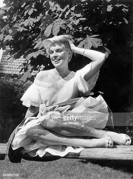 Maybach Christiane *Actress voice actor GermanyPortrait 1956