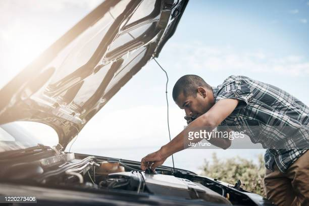 maybe there is something i can do to fix this - vehicle breakdown stock pictures, royalty-free photos & images