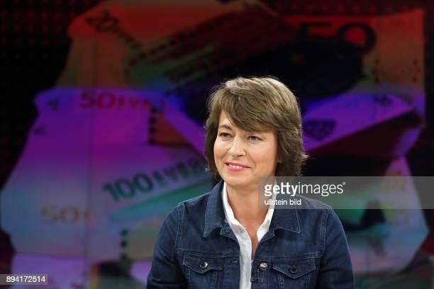 Maybrit Illner in ihrer ZDFTalkshow maybrit illner am in Berlin Gier statt Reue Kommt die BankenKrise zurück