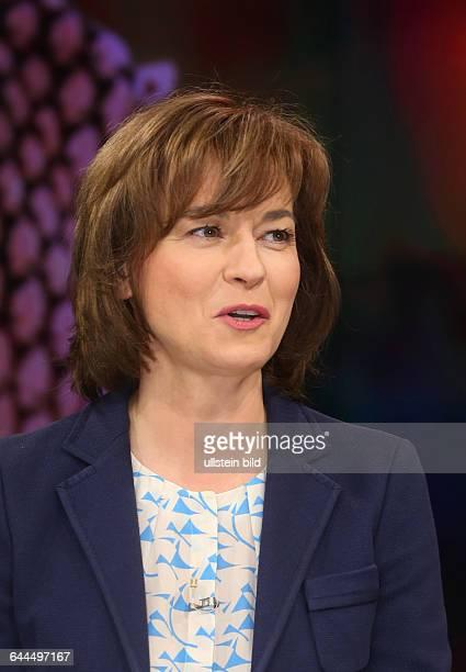 Maybrit Illner in ihrer ZDFTalkshow Maybrit_Illner am in BerlinThema der Sendung Fachkraft oder Flüchtling Wer darf ins Wirtschaftswunderland