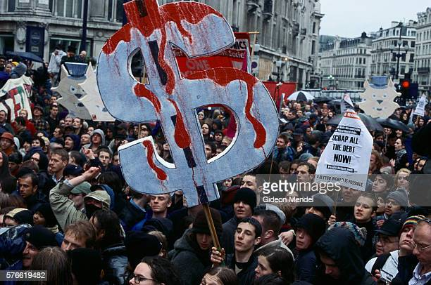 mayday demonstration in london - may day international workers day stock pictures, royalty-free photos & images