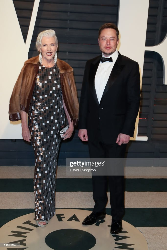 Maye Musk (L) and SpaceX CEO Elon Musk attend the 2017 Vanity Fair Oscar Party hosted by Graydon Carter at the Wallis Annenberg Center for the Performing Arts on February 26, 2017 in Beverly Hills, California.