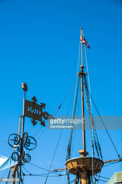mayflower ii crows nest - the mayflower stock photos and pictures