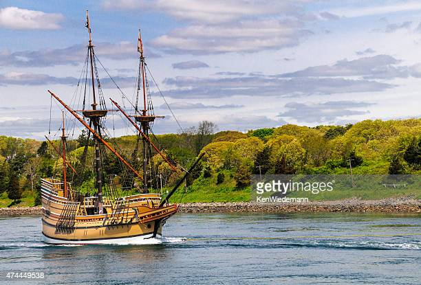 mayflower ii - the mayflower stock photos and pictures